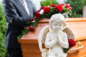 Funeral-shutterstock_155067617.jpg
