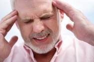 headache-man-senior (002)